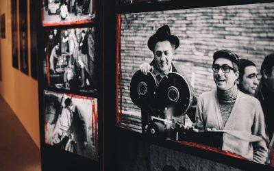 Ri-tratto rosso in un click: Cinema e fotografia