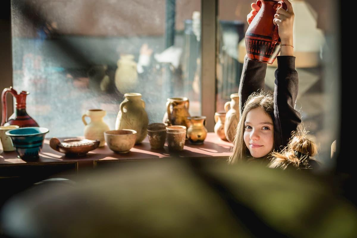 Una coivolgente visita animata e un laboratorio condurranno i partecipanti sul set cinematografico di Roma antica negli Studi di Cinecittà
