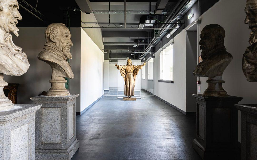 Cinecittà si Mostra propone ogni domenica di maggio una speciale visita guidata dedicata a Fellini e alle ambientazioni di alcuni dei suoi capolavori